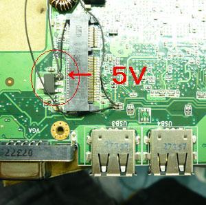 この端子が5V。ここからはPCの電源をオフにすると電力供給もとまります。<br /> これでUSB1個め終わり&#8221; /></a><br /> この端子が5V。ここからはPCの電源をオフにすると電力供給もとまります。<br /> これでUSB1個め終わり</p> <p><a rel=