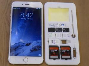 iPhone 6 Plusと同サイズ。なお写真はベータ版です(ポストイット部分がやや狭い)